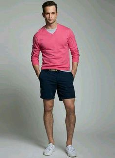 How to Wear Shorts For Men looks & outfits) Fashion Moda, Look Fashion, Mens Fashion, Fashion Menswear, Fashion Trends, Fashion Outfits, Summer Wear, Summer Outfits, Summer Winter