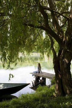 ~Just relax.take in the day~ das bin ich an unserem Bootssteg. Peaceful Places, Beautiful Places, Beautiful Life, Turbulence Deco, Lake Life, Happy Weekend, Belle Photo, Country Life, Country Living