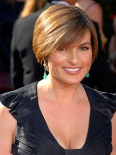 Short Hairstyles For 40 Year Old Woman 2013