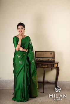 Looking for half saree color combinations ? Check out 21 cool looking half saree designs with trending colors and modern appeal. Silk Saree Blouse Designs, Saree Blouse Patterns, Designer Blouse Patterns, Dress Patterns, Simple Sarees, Trendy Sarees, Stylish Sarees, Indian Beauty Saree, Indian Sarees