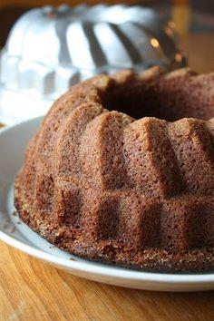 Cebicin keittiössä: Maailman paras banaanikakku Baking Recipes, Cake Recipes, Dessert Recipes, Baking Ideas, No Bake Desserts, Vegan Desserts, Finnish Recipes, Pastry Cake, Dessert Drinks