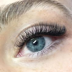 Beautiful natural look 2/3D Russian Volume Eyelash Extensions