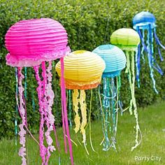 DIY Jellyfish Lantern from Party City Party Fiesta, Luau Party, Beach Party, Under The Sea Theme, Under The Sea Party, Little Mermaid Parties, The Little Mermaid, Paper Lanterns, Fish Lanterns