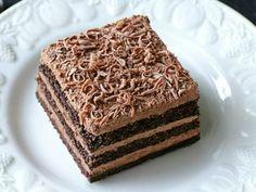Prăjitura Nero cu mousse de ciocolată. O prăjitură simplă cu o combinație divină de arome Sweets Recipes, Cake Recipes, Romanian Desserts, Food Garnishes, Oreo Dessert, Cream Cake, Mousse, Vanilla Cake, Caramel