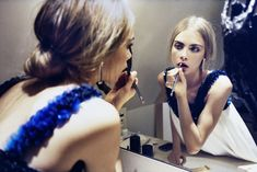 double the cara delevinge // in the mirror // applying makeup // beautifying // getting done up // getting ready // fashion editorial