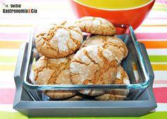 Receta de galletas caseras elaboradas con pasta de nuez, se pueden hacer también con pasta de otros frutos secos. Elaboración paso a paso, consejos y fotos.