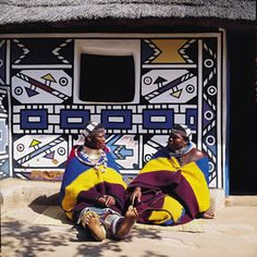 The South Ndebele People of Southern Africa have the amazing tradition of painting their houses with brightly coloured geometric designs. Maya Angelou Books, Geometric Painting, African Tribes, African Culture, African Design, House Painting, Painting Art, World Cultures, Art Education