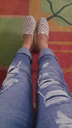 Ootd..#tomsshoes #stradivarious #rippedjeans