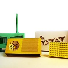 RFID RADIO BY MATT BROWN - it's a paper radio that talks to your speakers!