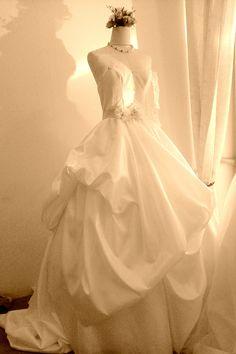 Chiang mai Wedding Dress 0882519878