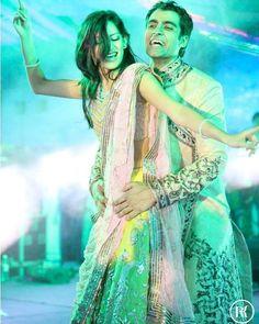 A Throbbing Wedding Dance!  #Bride #bridal #wedding #weddingdress #weddingday #weddingphotography #photography #photooftheday #nofilter #instadaily #instagood #picoftheday #instapic #Fun #bigfatindianwedding #weddingdecor #weddingdance #dance #throbs #coupledance #canon #canonphotography #weddingsutra #thecrimsonbride #shaadisaga @indianweddingbuzz @vogueindia @indianweddingsmag @indianweddingsite @indian_weddings @shaadisaga @wedmegood