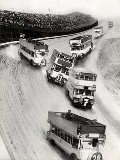 Race of double deck buses, 1933.