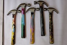 Custom painted hammers. This would be a great gift for a grandpa, painted by a preschool grandkid! #diygift