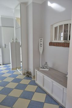 Flur-mit-DIY-Bank