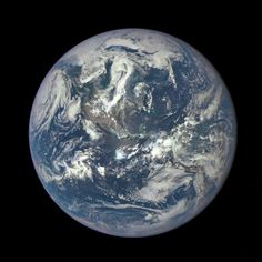 "NASA sur Twitter : ""Our 'EPIC' camera on @NOAASatellites' #DSCOVR captures Earth in new view: http://t.co/htXfMUbQfk #EarthRightNow http://t.co/26Zs3QMHZc"""