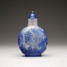 18th/19th Century Chinese Overlay Glass Snuff Bottle