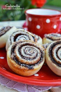 Gabriella kalandjai a konyhában :): Villámgyors kakaós csiga Bread Recipes, Cookie Recipes, Hungarian Recipes, Hungarian Food, Food For Thought, Food To Make, Cheesecake, Muffin, Food And Drink