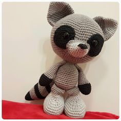 Mesmerizing Crochet an Amigurumi Rabbit Ideas. Lovely Crochet an Amigurumi Rabbit Ideas. Crochet Toys Patterns, Amigurumi Patterns, Stuffed Toys Patterns, Knit Or Crochet, Crochet Baby, Knitting For Dummies, Racoon, Cute Little Things, Crochet Animals