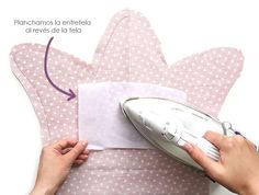 Cojines decorativos DIY - Corona y nube -Tutorial y patrón gratis Sewing Projects, Projects To Try, Baby Shawer, Sock Animals, Baby Pillows, Decorative Pillows, Pillow Covers, Easy Diy, Creations