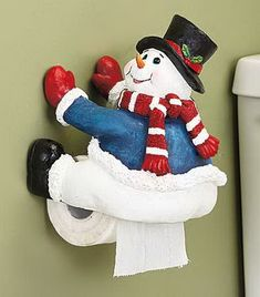 Easy Christmas Bathroom Decor Accessories Part 2 Felt Christmas, Outdoor Christmas, Simple Christmas, Christmas Projects, Christmas Ornaments, Modern White Bathroom, Bathroom Red, Bathroom Cabinets, Christmas Bathroom Decor