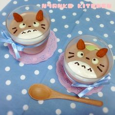 Totoro Puddings! Adorable! Instructions translating poorly but cocoa pudding mix, almonds, the rest will have to be improvised!