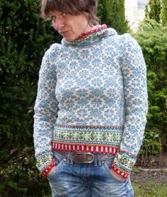 Knitting Patterns Sweter … the last post is actually almost 4 months ago …. Fair Isle Knitting Patterns, Fair Isle Pattern, Knit Patterns, Crochet Pullover Pattern, Knit Crochet, Tejido Fair Isle, Fair Isle Pullover, Norwegian Knitting, Fair Isles