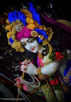 Radha Krishna Images, Krishna Art, Ganesh Lord, Lord Shiva Painting, Laddu Gopal, Shree Krishna, Wallpaper Downloads, Hare, Captain Hat