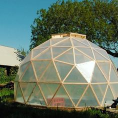 Here's another really cool project we featured on the website a few years ago. This beautiful geodesic dome greenhouse was built by Astrid de Groot. I love the efficient use of space inside! 🌱. 📸 images by Astrid de Groot Geodesic Dome Greenhouse, Lean To Greenhouse, Outdoor Gear, Tent, Greenhouses, Building, Projects, Gardening, Website