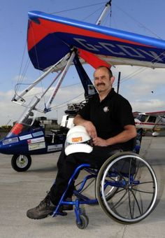 Paraplegic pilot Dave Sykes has landed in Sydney after flying there in a microlight – all the way from Yorkshire.