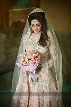 New Pakistani Bridal Makeup Walima Desi Wedding Ideas Pakistani Bridal Makeup, Pakistani Wedding Outfits, Bridal Outfits, Bridal Lehenga, Pakistani Dresses, Bridal Hijab, Pakistani Suits, Indian Outfits, Bridal Looks