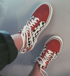 Original Vans Authentic Shoes For Women and Men Adidas Sl 72, Adidas Nmd, Sock Shoes, Vans Shoes, Shoes Heels, Vans Sneakers, Skateboard, Adidas Superstar, Tenis Vans