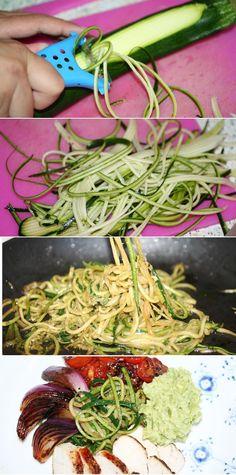 """""""Pasta"""" lavet af tynde strimler squash - Flottere, lækrere og sundere end alm. pasta."""