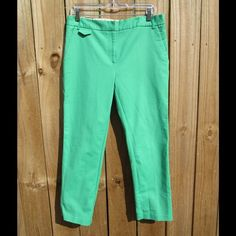 """Adorable green capris This is a cute pair of bright, spring green capris in good, preloved condition. Material is 97% cotton and 3% spandex.  26"""" inseam and 30"""" waist Jules & Leopold Pants Capris"""