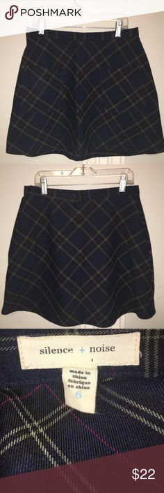 Urban Outfitters Plaid Skirt worn three times, excellent condition, wonderful skirt quality Urban Outfitters Skirts Circle & Skater