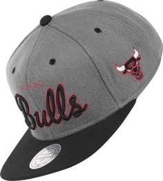 Mitchell   Ness NBA Chicago Bulls Melton Cap grey black red Mal Día De  Cabello 0903a962cae