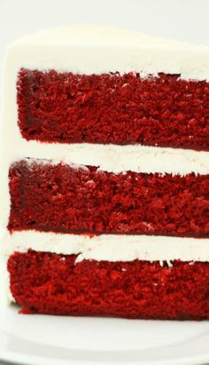 Red Velvet Cake with White Chocolate Cream Cheese Frosting - Cake Paper Party Chocolate Cream Cheese Frosting, Cream Cheese Buttercream, Velvet Cake, Red Velvet, White Icing, Black Food, Paper Cake, Colorful Cakes, White Chocolate