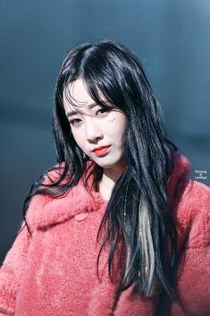 Jiae (Lovelyz) Photo P, Best Face Products, Kpop Girls, Korean Girl, Character Inspiration, Lovelyz Jiae, Idol, Dreadlocks, Hair Styles