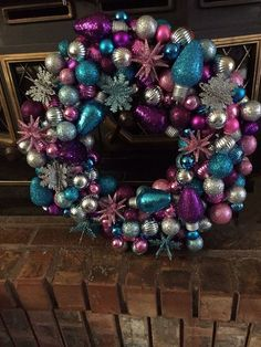 How to Make a Bulb Wreath Just in Time for Christmas