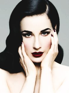 Absolute ineffable perfection!!! Dita Von Teese aka the most beautiful woman currently on this earth
