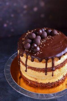 Somlói galuska torta recept házilag Somló sponge cake with chocolate and vanilla custard filling and walnuts Sponge Cake Roll, Sponge Cake Recipes, Sweet Desserts, No Bake Desserts, Heathly Dessert Recipes, Baking Recipes, Cookie Recipes, Thanksgiving Baking, Rainbow Food