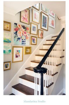Crush: Hanging Art in the Stairwell Beautiful inspiration photos and tips for creating a gallery wall in the stairwell.Beautiful inspiration photos and tips for creating a gallery wall in the stairwell. Decor, Home Decor Inspiration, House Design, Interior, House Styles, Gallery Wall, New Homes, Home Decor, House Interior