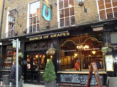 The 1st place I ate at in London! Bunch of Grapes restaurant