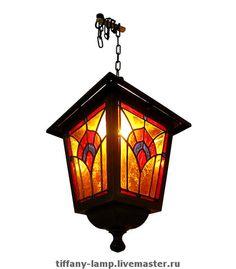Уличный фонарь `Перо павлина`.. Уличный фонарь украсит вашу веранду или беседку, наполнив её волшебным светом. Техника Тиффани.  Художественное стекло.