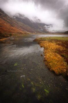 Loch Achtriochtan. Glen Coe. Aonach Eagach Mist. Highland Scotland.