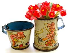 vintage Ohio Art tin toy tea cup and pitcher