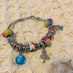 Beaded bracelet Bracelet with multiple beads that can be removed or added. 7.2 inches long. Jewelry Bracelets