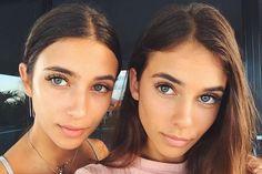 Meet Elisha and Renee, the identical twins who went viral Beautiful Children, Beautiful People, Beautiful Women, Twin Girls, Twin Sisters, Cute Twins, Cute Girls, Twin Models, Wattpad