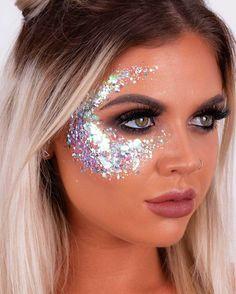 Unicorn Dreams Chunky Glitter – The Gypsy Shrine Red Glitter, Glitter Roots, Glitter Party, Glitter Glue, Festival Makeup Glitter, Glitter Makeup, Glitter Outfit, Glitter Eyeshadow, Glitter Nails