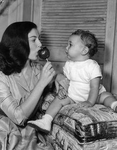 1950'S 60'S Pier Angeli Fils Belle Pier with her son