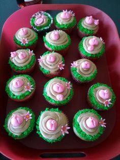 Destiny's birthday piggy cupcakes